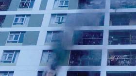 Lửa phát ra tại một căn hộ ở tầng 8 của block A chung cư