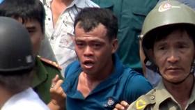Đối tượng nghi cướp giật, cố thủ trong tiệm game bắn cá tử vong khi bị tạm giữ.