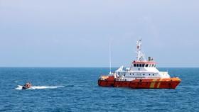 Lực lượng cứu nạn thực hiện nhiệm vụ tìm kiếm cứu nạn trên biển trước đó. Ảnh N.N