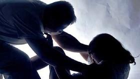 Trộm đột nhập, hiếp dâm chủ nhà rồi cướp tài sản