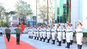 Bộ trưởng Tô Lâm duyệt đội danh dự của Công an tỉnh Đồng Nai.