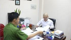 Nguyễn Thái Luyện làm việc với công an