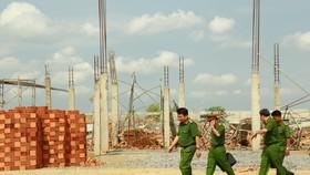 Vụ sập tường khiến 10 người tử vong: Tạm giữ 3 người liên quan