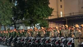Công an quận Tân Bình tổ chức lễ ra quân tấn công trấn áp tội phạm. Ảnh: CHÍ THẠCH