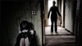 Tạm giữ hình sự người đàn ông dâm ô với bé gái 9 tuổi