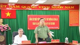Thứ trưởng Bộ Công an Lê Tấn Tới phát biểu tại buổi làm việc với Công an TPHCM. Ảnh: C.T