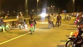 Giải tán kịp thời 370 xe máy tụ tập đua xe gây rối trật tự ở TPHCM