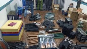 Kho vũ khí, công cụ hỗ trợ bị phát hiện