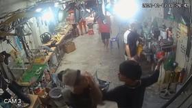 Hình ảnh vụ việc cắt từ camera an ninh