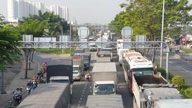 Giao thông trên Quốc lộ 1 ùn ứ kéo dài nhiều km