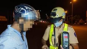 """CSGT TPHCM triển khai kế hoạch tuần tra, kiểm soát, xử lý vi phạm theo chuyên đề """"Người điều khiển xe trên đường mà trong cơ thể có chất ma túy, vi phạm nồng độ cồn"""" trên địa bàn"""