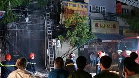 Lực lượng chức năng phong tỏa hiện trường 1 vụ cháy