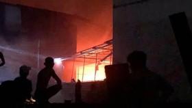 Cháy lớn tại xưởng sản xuất ghế sofa ở quận Bình Tân