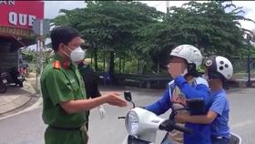 Lực lượng chức năng làm việc với người phụ nữ