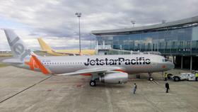 Các hãng hàng không hủy nhiều chuyến bay do bão số 10