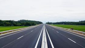 Tạm cấm một số phương tiện lưu thông trên cao tốc Đà Nẵng - Quảng Ngãi