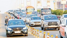Phương tiện lưu thông trên cao tốc TPHCM - Long Thành - Dầu Giây. Ảnh: HOÀNG HÙNG
