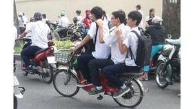 Điều khiển xe máy dưới 50cm³ và xe đạp điện cũng cần có giấy phép?