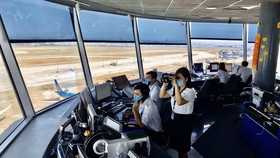 Xử lý nghiêm hãng hàng không dồn, hủy chuyến bay