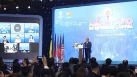 Phó thủ tướng Thường trực Chính phủ Trương Hòa Bình phát biểu chào mừng Carnival Doanh nhân trẻ ASEAN 2020. Ảnh: VIẾT CHUNG