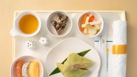 Các món ăn ngày tết được đưa lên máy bay