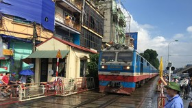 Đường sắt tiếp tục cắt giảm nhiều đoàn tàu do lượng hành khách giảm mạnh