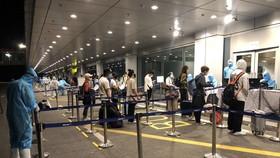 Kiểm tra y tế tại sân bay Vân Đồn