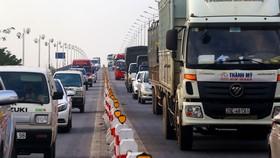 Cầu Thanh Trì thường xuyên xảy ra ùn tắc giao thông