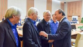 Thủ tướng Chính phủ và các đại diện cán bộ đoàn qua các thời kỳ