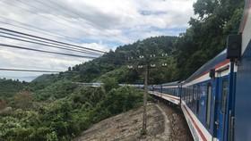 Tuyến đường sắt Hà Nội – TPHCM chỉ còn chạy thường xuyên 2 đôi tàu