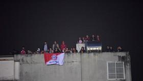 Những cách cổ vũ chỉ có ở Việt Nam dành cho tình yêu bóng đá