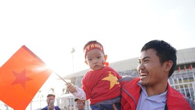 Nhiều cổ động viên tin tưởng Quang Hải ghi bàn vào lưới Thái Lan