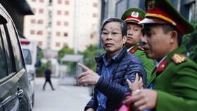 """Ông Nguyễn Bắc Son xin gặp vợ con để khắc phục hậu quả tội """"Nhận hối lộ"""""""