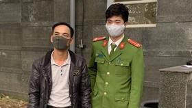 Phạm Văn Hùng tại cơ quan công an