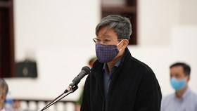 Ông Nguyễn Bắc Son nói sức khỏe yếu, mong tòa hỗ trợ trong phiên phúc thẩm. Ảnh: ĐỖ TRUNG