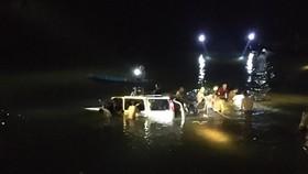 Làm rõ nguyên nhân ban đầu vụ ô tô lao xuống sông trong đêm, 5 người thiệt mạng
