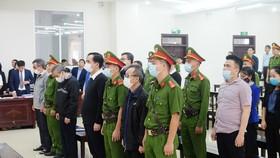 Các bị cáo khai, cho vay theo chỉ đạo của ông Trần Bắc Hà