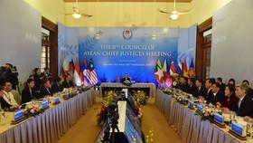Chánh án các nước ASEAN cùng chia sẻ kinh nghiệm trong hệ thống tư pháp