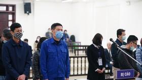 Cựu Giám đốc CDC Hà Nội bị đề nghị phạt từ 10-11 năm tù