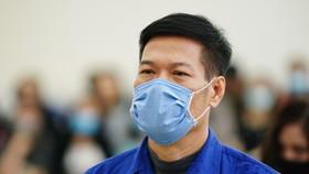 Vụ nâng giá máy xét nghiệm Covid-19: Chủ mưu Nguyễn Nhật Cảm lãnh 10 năm tù giam