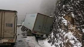 Cảnh sát giao thông bám đường, đảm bảo an toàn giao thông tại các tỉnh có băng giá, tuyết rơi