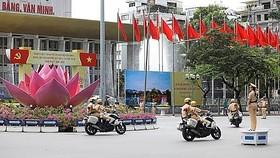 Phân luồng giao thông nhiều tuyến đường phục vụ Đại hội Đảng