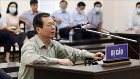 """Ông Vũ Huy Hoàng trút lời """"gan ruột"""" trước khi tòa tuyên án"""