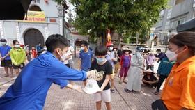 """Suất cơm """"0 đồng"""" cho người nghèo ở Hà Nội"""