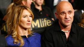 Vì vợ, Agassi mới làm HLV Djokovic