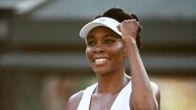 37 tuổi, Venus vẫn vào vòng 4