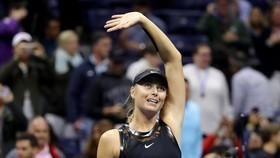 """Sharapova và Wozniacki – """"mỹ nhân đại chiến"""""""