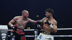 George Groves (trái) trong trận thắng Jamie Cox