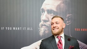 Conor McGregor trong một sự kiện trước công chúng ở Dublin