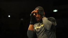 AJ tích cực chuẩn bị cho trận đại chiến với Parker